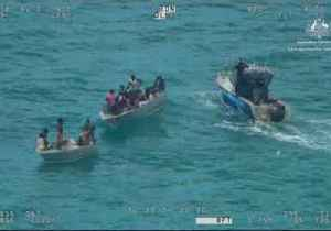 Overloaded Dinghy Carrying Children and a Baby Rescued Near Arnhem Land [Video]