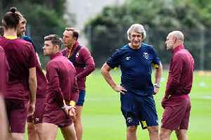 Pellegrini takes West Ham training [Video]