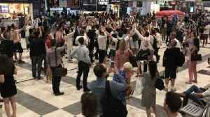 England Fans Sing Chant Dedicated to Team Manager in Liverpool Street Station [Video]