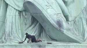 Statue of Liberty Climber Forces Evacuation [Video]