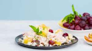 How to Make Chicken Rice and Tropical Fruit Salad [Video]