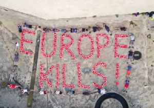 Activists Spell 'Europe Kills' in Life Vests as Rescue Ship Remains Seized in Malta [Video]