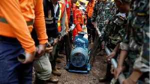 News video: Thai Cave Rescue Almost Ended In Disaster; Water Pumps Stopped