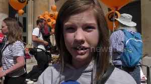 News video: US girl in London gave this remarkably measured response to Trump's UK visit
