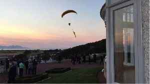 Paragliding Trump protester arrested
