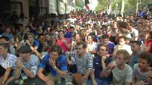 Fans in Paris go wild as France lead 2-1 at halftime [Video]