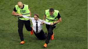 News video: World Cup Final: Anti-Kremlin Protesters Run Onto Pitch
