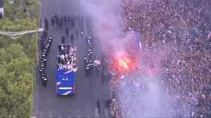 French World Cup team returns to heroes' victory parade [Video]