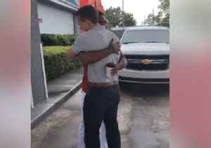 Young Man Who Walked 20 Miles to 1st Day of Work Receives Company CEO's Personal Car [Video]