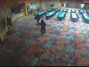 FBI: 2 sought in armed robbery of casino [Video]