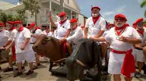 Hemingway look-alikes do mock running of the bulls in Key West [Video]