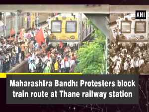Maharashtra Bandh: Protesters block train route at Thane railway station [Video]