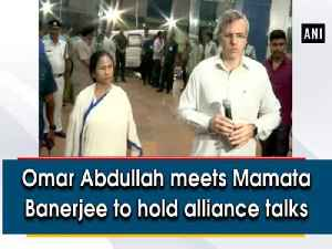 Omar Abdullah meets Mamata Banerjee to hold alliance talks [Video]
