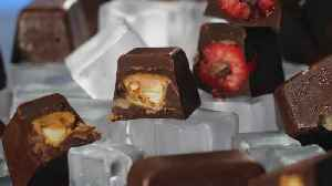 How to Make Ice Cube Tray Chocolates [Video]