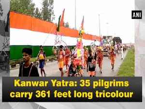 Kanwar Yatra: 35 pilgrims carry 361 feet long tricolour [Video]