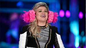 Kelly Clarkson To Get Her Own Daytime Talk Show [Video]
