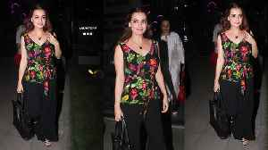 News video: Dia Mirza looks beautiful in Floral Top at Dinner Date with Husband Sahil Sangha; Watch | Boldsky