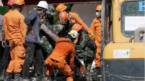 Earthquake Death Toll In Indonesia's Lombok Tops 100 [Video]