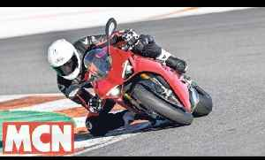 Ducati Panigale V4   First Rides   Motorcyclenews.com [Video]