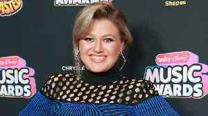 Kelly Clarkson's Daughter River Rose Has a Huge Crush on Chris Martin: 'I Wanna Kiss Him' [Video]