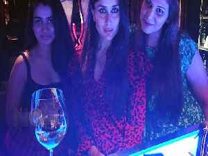 Kareena Kapoor Khan Enjoys A Night Out With Her BFF's [Video]
