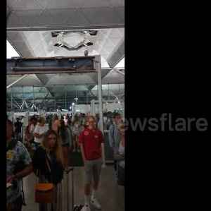 Chaos at Stansted Airport as passengers wait hours for baggage [Video]