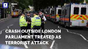 Crash Outside London Parliament Treated as Terrorist Attack [Video]