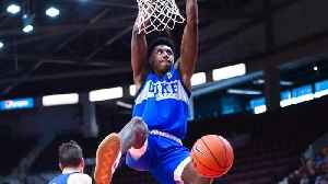 R.J. Barrett and Duke put on dunk show at Mississauga practice [Video]