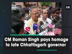 CM Raman Singh pays homage to late Chhattisgarh governor [Video]