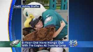 Car Crash Survivor Who Saved Brothers Hangs Out With Eagles At Training Camp [Video]
