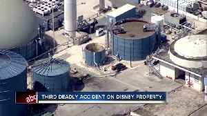 Worker dies after falling into vat of oil near Walt Disney World in Florida [Video]