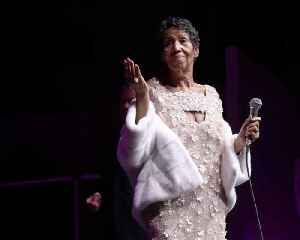 Celebs Pay Tribute to Aretha Franklin, Dead at 76 [Video]