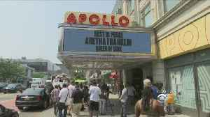 Apollo Theater In New York Honors Aretha Franklin [Video]
