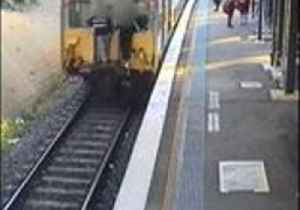 Thrillseekers Caught on Sydney Trains CCTV Practising Deadly 'Buffer Riding'