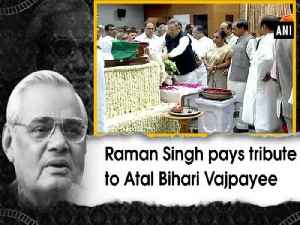 Raman Singh pays tribute to Atal Bihari Vajpayee [Video]