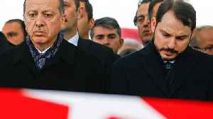Erdogan challenges economy 'game-players' as currency plummets [Video]