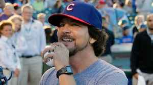 Pearl Jam Covers David Bowie At Wrigley Field [Video]