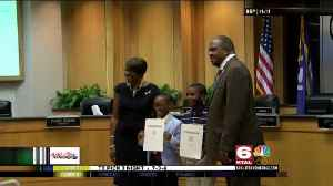 Mayor tyler honors local chefs [Video]