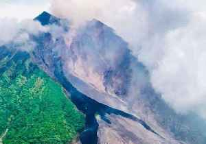 Aerial Footage Shows Eruption of Papua New Guinea's Manam Volcano [Video]