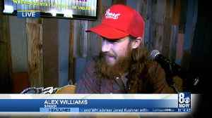 Country artist Alex Williams performs at Stoney's [Video]