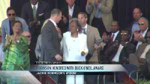 Smith, Robinson honored at Hall of Fame [Video]