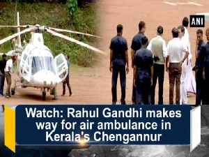 Watch: Rahul Gandhi makes way for air ambulance in Kerala's Chengannur [Video]