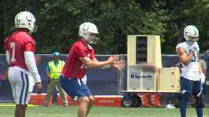 Luck throws at Colts camp [Video]