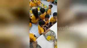 Heartwarming moment big sister feeds little brother on first day at school [Video]