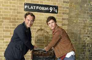 Eddie Redmayne and Jude Law surprised 'Harry Potter' fans at Kings Cross Station [Video]