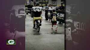 """Packers 100: Center finds """"Green Bay family"""" through training camp bike rides [Video]"""