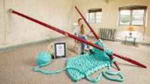 Artist Breaks World Record with Largest Knitting Needles [Video]