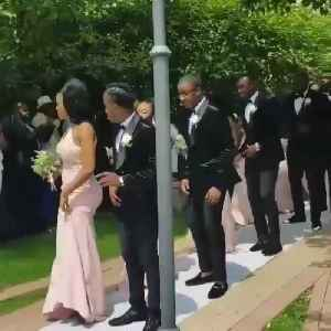 Wedding party delivers synchronized entrance dance [Video]