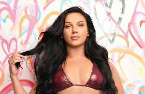 Alexandra Cane Moves On With New Beau [Video]