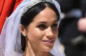 News video: Duchess Meghan's make-up artist wanted harry to 'see her'